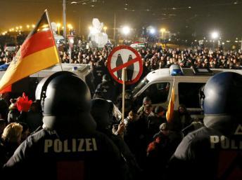 2015-10-19t204259z_244384316_gf10000251278_rtrmadp_3_germany-politics_0